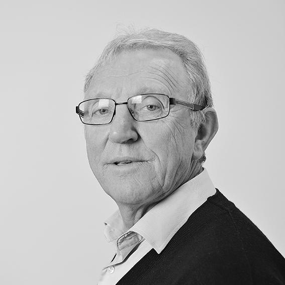 Oddbjørn Flataker :  Daglig leder